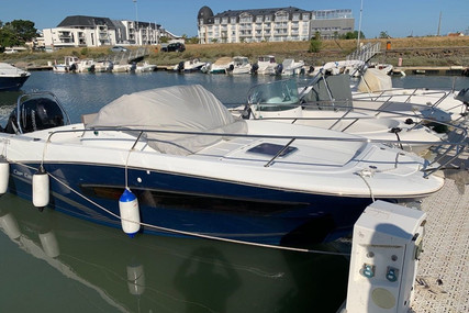 Jeanneau Cap Camarat 7.5 WA for sale in France for €45,000 (£40,003)