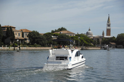 Houseboat Holidays Italia srl Minuetto8+ for charter in Italy from €2,720 / week