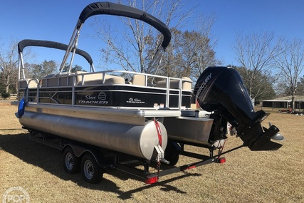 Sun Tracker Party Barge 22 DLX for sale in United States of America for $35,000 (£25,541)