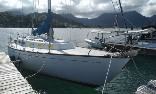 Image of Cal Yachts 40 for sale in United States of America for $52,000 (£37,663) Kaneohe, Hawaii, United States of America
