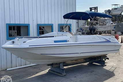 Sea Ray 240 Sun Deck for sale in United States of America for $14,500 (£10,480)