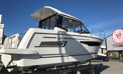 Image of Jeanneau Merry Fisher 895 for sale in France for €139,400 (£121,119) hyères, hyères, , France