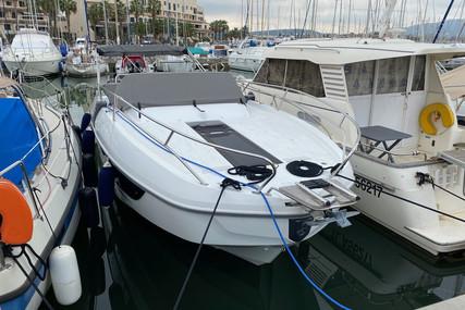 Beneteau Flyer 8.8 Sundeck for sale in France for €90,000 (£80,086)