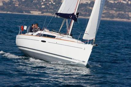 Beneteau Oceanis 31 for sale in France for €99,000 (£85,229)