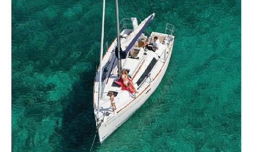 Image of Beneteau Oceanis 31 for sale in France for €99,000 (£85,229) France