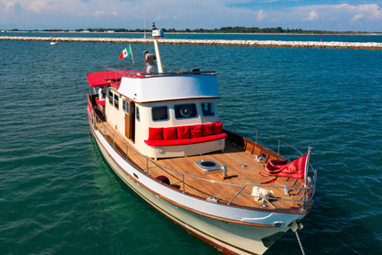Custom Motoryacht for charter in Italy from €8,800 / week