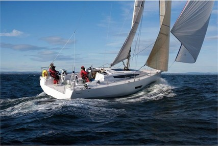 Elan E5 for charter in Slovenia from €2,000 / week
