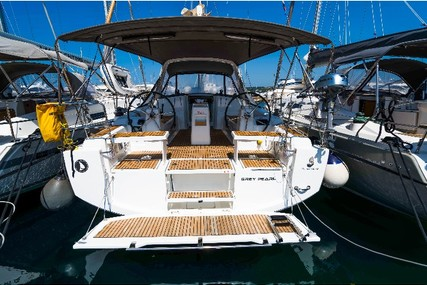 Beneteau Oceanis 38 for charter in Slovenia from €1,350 / week