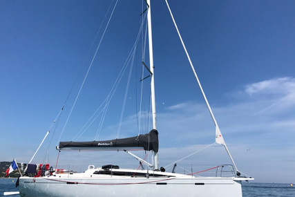 Dehler 38 for charter in France from €1,600 / week