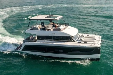 Fountaine Pajot M/Y 40 for charter in Italy from €10,614 / week