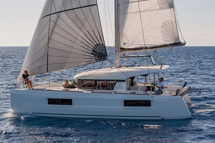 Lagoon 40 for charter in Spain (Balearic Islands) from €2,085 / week