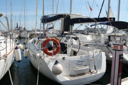 Jeanneau Sun Odyssey 33i for sale in Italy for €50,000 (£43,407)