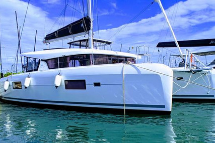 Lagoon 42 for sale in Spain for €450,000 (£390,988)