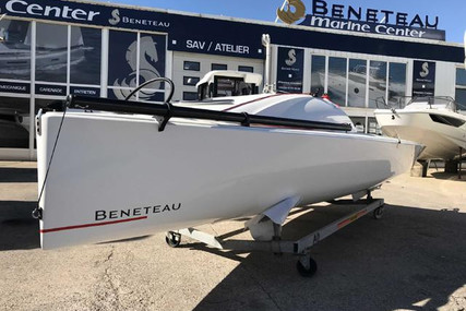 Beneteau First 18 for sale in Portugal for €25,000 (£21,520)