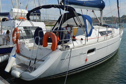 Jeanneau Sun Odyssey 39i for sale in Portugal for €98,000 (£84,537)