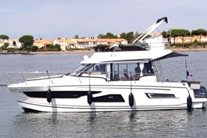 Jeanneau Merry Fisher 1095 for sale in France for €238,000 (£206,615)