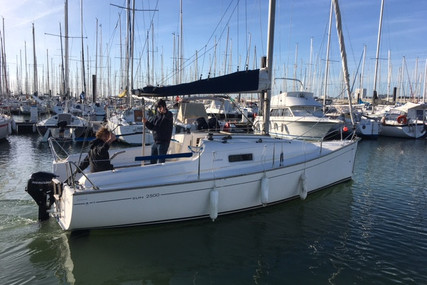 Jeanneau Sun 2500 Lifting Keel for sale in France for €17,900 (£15,417)