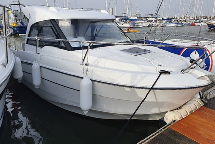 Beneteau Antares 7.80 for sale in France for €52,000 (£44,619)