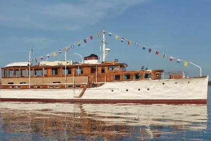 Classic NY Yacht, Launch and Engine for sale in United States of America for $689,800 (£494,207)