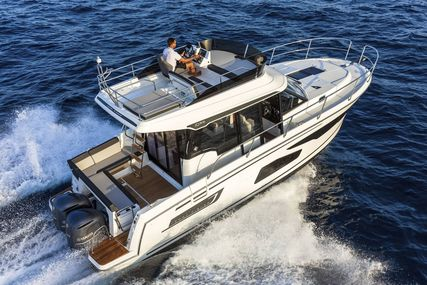 Jeanneau Merry Fisher 1095 Flybridge - Legend - 2x Suzuki 300hp for sale in United Kingdom for £248,000