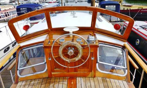 Image of 41ft CLASSIC TWIN SCREW MOTOR YACHT for sale in United Kingdom for £75,000 United Kingdom