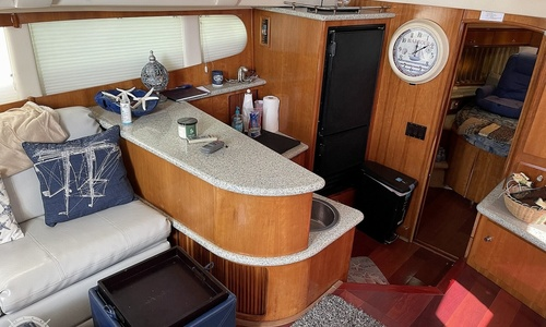 Image of Carver Yachts 396 MY for sale in United States of America for $148,000 (£106,055) Sarasota, Florida, United States of America