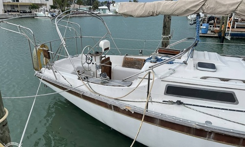 Image of Irwin Yachts 34 Citation for sale in United States of America for $17,500 (£12,565) St. Pete Beach, Florida, United States of America