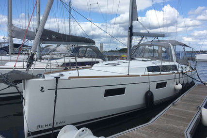 Beneteau Oceanis 38.1 for sale in France for €186,500 (£161,229)