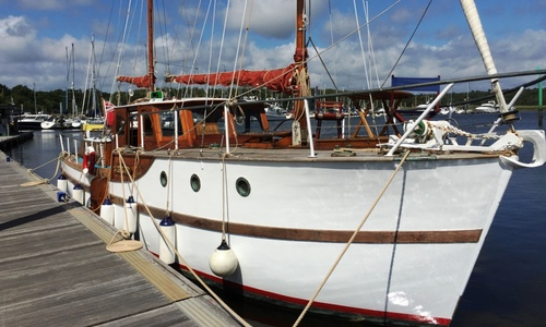 Image of 38ft. CHEOY LEE MOTOR SAILER for sale in United Kingdom for £60,000 HAMPSHIRE, United Kingdom