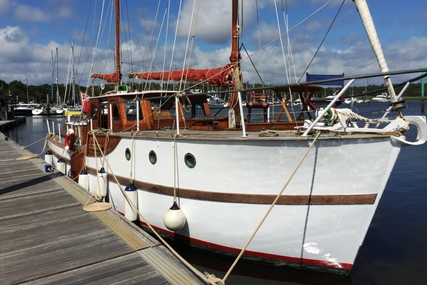 38ft. CHEOY LEE MOTOR SAILER for sale in United Kingdom for £60,000