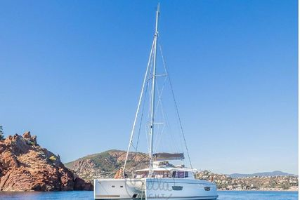 Fountaine Pajot Helia 44 for sale in France for $602,398 (£432,602)