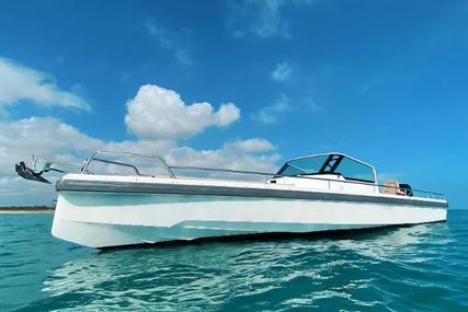 Axopar 28 Bimini for sale in United States of America for $109,000 (£77,020)