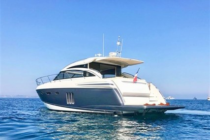 Princess V 52 for sale in France for €460,000 (£395,804)