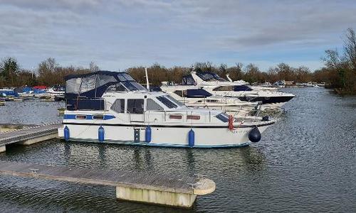Image of Linssen 35SE for sale in United Kingdom for £44,950 Chertsey, United Kingdom