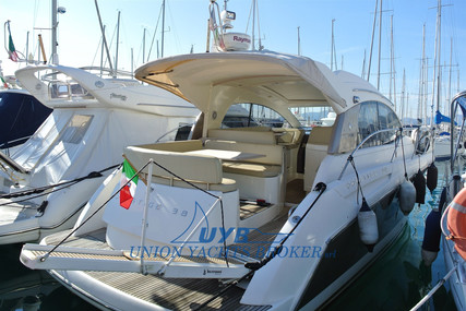 Prestige 38 S for sale in Italy for €145,000 (£125,156)
