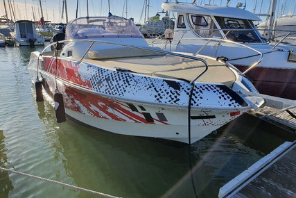 Beneteau Flyer 750 Sundeck for sale in France for €27,000 (£23,168)