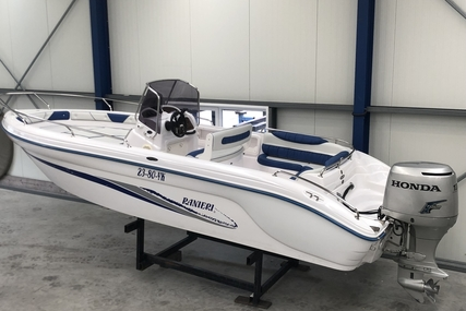 Ranieri Voyager 22 for sale in Spain for €6,000 (£5,148)
