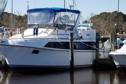 Carver Yachts 3697 Mariner for sale in United States of America for $40,700 (£28,887)