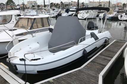 Beneteau Flyer 6.6 Spacedeck for sale in France for €34,500 (£29,603)