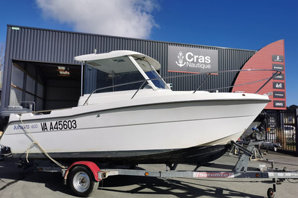 Beneteau Antares 600 HB for sale in France for €15,900 (£13,643)