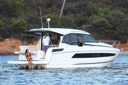 Jeanneau NC 33 for sale in United Kingdom for £297,000