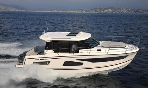 Image of Jeanneau Merry Fisher 1095 for sale in United Kingdom for £208,287 Swanwick, United Kingdom