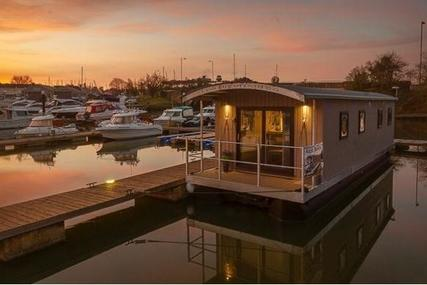 Houseboat 40 w Freehold mooring for sale in United Kingdom for £184,000