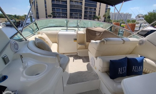 Image of Cruisers Yachts 3375 Express for sale in United States of America for $64,500 (£45,412) Highland Beach, Florida, United States of America