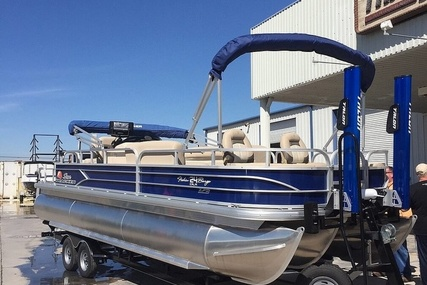 Sun Tracker Fishin' Barge 24 XP3 for sale in United States of America for $49,500 (£35,464)