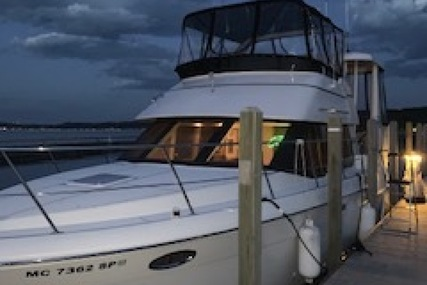 Carver Yachts 356 Aft Cabin for sale in United States of America for $129,900 (£93,067)