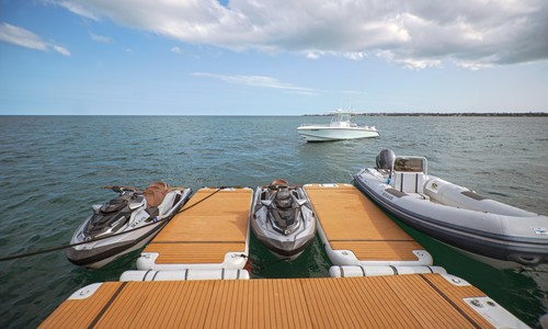 Image of Heesen Tri-Deck for sale in Bahamas for $5,900,000 (£4,218,806) Nassau,, Bahamas