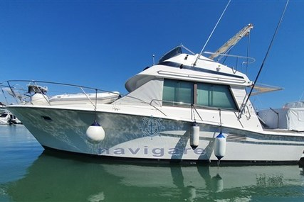 Riviera 33 Flybridge for sale in Italy for €62,000 (£53,715)