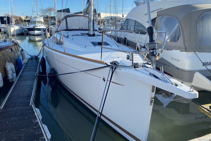 Jeanneau Sun Odyssey 389 for sale in France for €175,000 (£151,948)