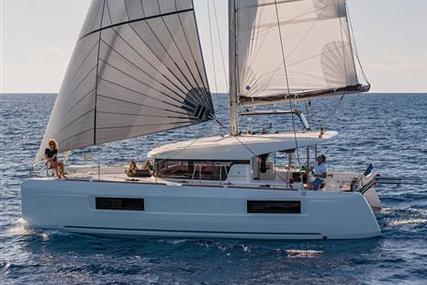Lagoon 40 for sale in Spain for €296,000 (£256,381)